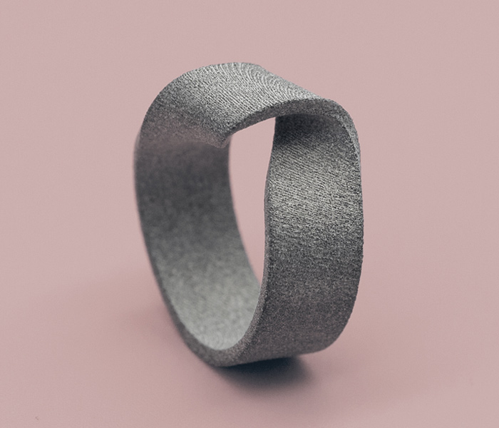 MOMENTUM-RING-SHADED-EDITION-GREYSHADED-LARISSAGEHRMANN