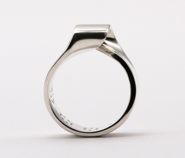 MOMENTUM-RING-SILBER-STERLING-SILVER--HIGH-GLOSS-FINISH-LARISSAGEHRMANN